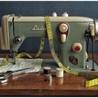 Швейная машинка из соцлагеря... :: Олег Бабурин