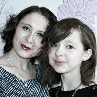 Пусть навсегда в глазах у дочки останется тот мамин свет ... :: Евгений Юрков