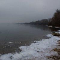 """Хмурый ноябрьский день. """"У берега несмело Ложится хрупкий лед..."""" :: Надежда"""