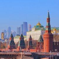 Москва, Вид на Кремлевскую стену (фрагмент). :: Андрей