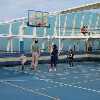 Можно было поиграть в волейбол! :: Natalia Harries