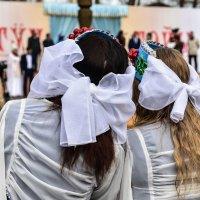 Подружки на празднике. :: юрий Амосов