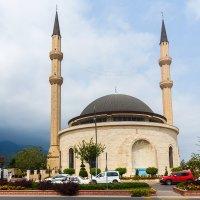 Мечеть Хузур в турецком курортном городе Кемер. :: Татьяна Калинкина