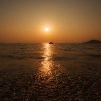 Закатная дорожка...Гоа,Индия! :: Александр Вивчарик