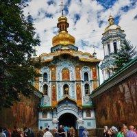 Главный  вход в Киево-Печерскую Лавру :: Владимир Бровко