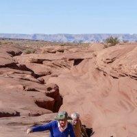 Так наши туристы выбирались из каньона Антилопа (Аризона, США) :: Юрий Поляков