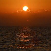 Закат на Средиземном море :: Надежда Водорезова