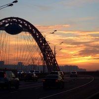 Москва. Живописный мост на закате дня... :: Ольга Русанова (olg-rusanowa2010)