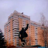 Памятник Металлургу или в народе именуемый Алёшей :: Леонид Абросимов
