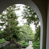 В Старом городе Варшавы красивы узкие лестницы с арками и милыми двориками :: Елена Павлова (Смолова)