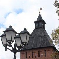 фонарь и башня :: Дмитрий Солоненко