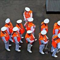 Оранжевые человечки :: Кай-8 (Ярослав) Забелин