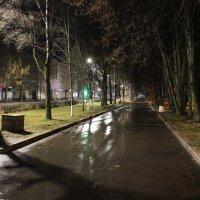 Утро в городе :: Сергей Кочнев