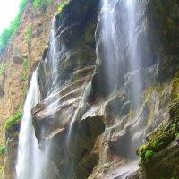 Водопад неадлеко от г. Нальчик :: Tengri K.