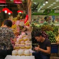 Гонконг, уличные рынки :: Sofia Rakitskaia