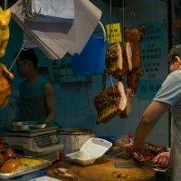 Гонконг. На уличном рынке :: Sofia Rakitskaia