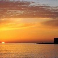 Утомленное солнце тихо с морем прощалось :: Виктория Попова
