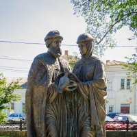 Памятник Петру и Февронии :: Николай Бирюков