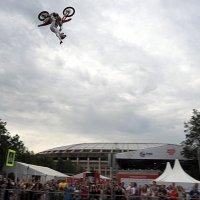 акробатика на мотоциклАХ :: Олег Лукьянов