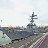 Американский эсминец USS James E. Williams (DDG95) :: Александр Корчемный
