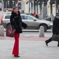 На городской улице-3 :: Александр Степовой