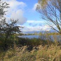Форелевое озеро в октябре :: Маргарита Батырева