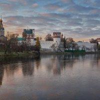 Новодевичий монастырь. Утро. :: Alexsei Melnikov