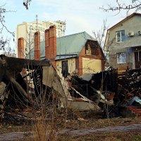 пожарище в старом санатории :: Александр Корчемный