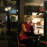Вечернее кафе... :: Elena N