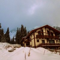 домик в горах :: lev