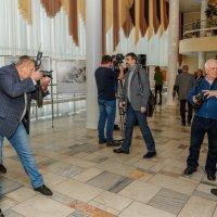 На выставке WORLD PRESS PHOTO 1955-2017. :: Евгений Голубев
