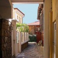 Болгарский дворик :: Alexander Andronik