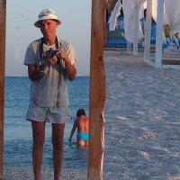 The Box - пляж эмоций. Там море можно было видеть передом назад... :: Александр Резуненко