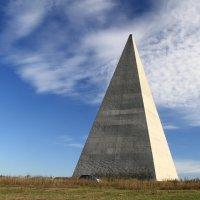 Пирамида Голода,еще не разрушенная :: ninell nikitina