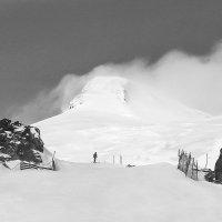 Западная вершина Эльбруса :: Александр Малышев