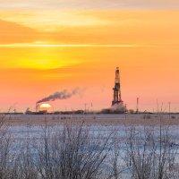 Закат над буровой :: Андрей Кузнецов