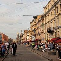 Летний день в городе. :: Наталья Лунева