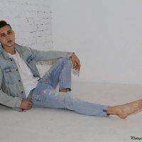 Джинсовый парень-2. :: Руслан Грицунь