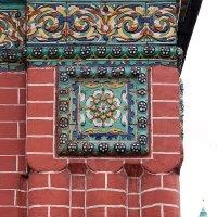 #вдохновение_nikon.Церковь Богоявления в Ярославле, фрагмент фасада с традиционными изразцами :: Николай Белавин