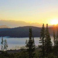 Возвещает солнце новый день :: Сергей Чиняев