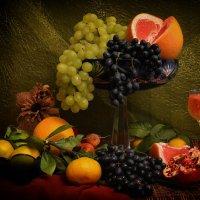 Натюрморт с виноградом :: Клавдия Андреева