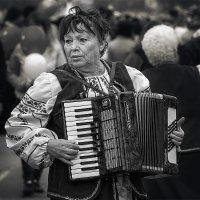 По главной улице с.... :: Павел Петрович Тодоров