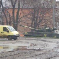Танк, это автомобиль, адаптированный к отечественным  дорогам... :: Алекс Аро Аро