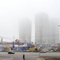 На город опускается туман :: Сергей Тарабара