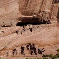 """Вот они - руины """"многэтажек"""" и крепости индейцев в нише скал (Аризона, США) :: Юрий Поляков"""
