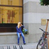 Блондинка и велосипед :: M Marikfoto
