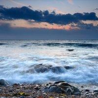 Там,где тихо плещут волны. :: Сергей