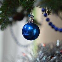 Весь офис в одном новогоднем шаре :: Олег Архипов