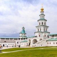 Надвратный храм :: Сергей ДЕНИСОВ
