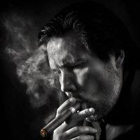 Курильщик... :: Андрей Войцехов